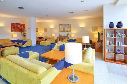 Vila Nova Hotel Lobby