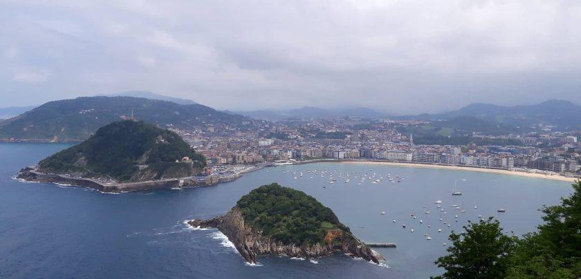 Blick auf Donostia de San Sebastian