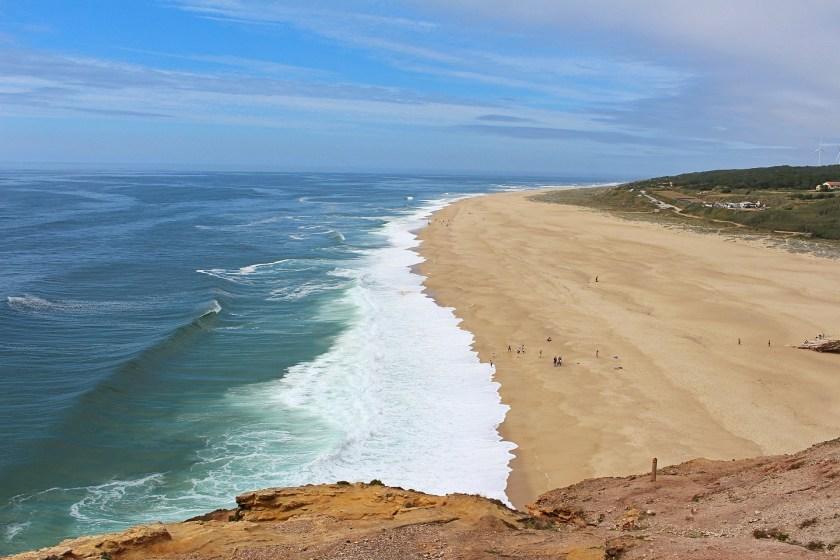 Wellen am Strand Nazaré