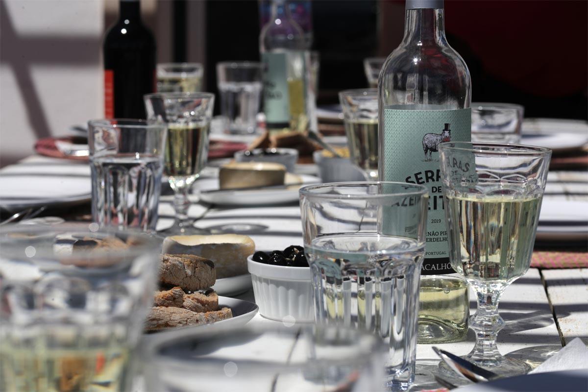 Algarve Gedeckter Tisch