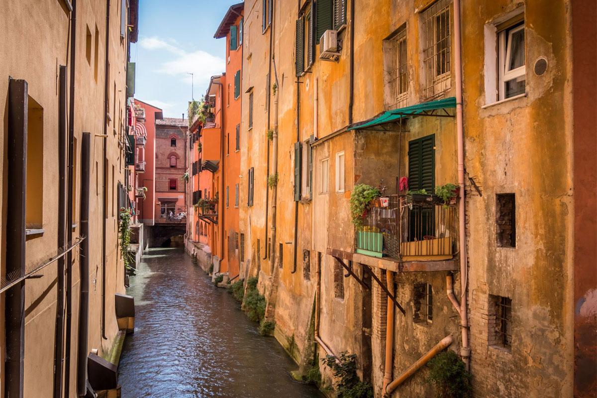 Bologna Via Piella