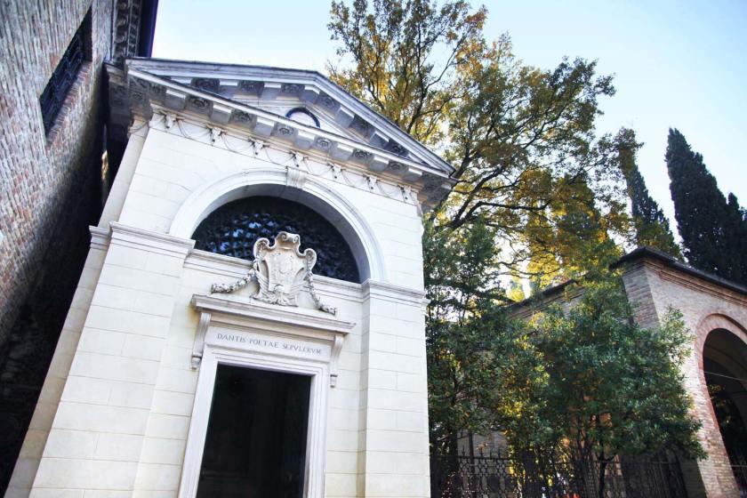 Ravenna Grab Dante