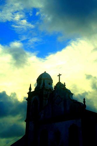 Luz e sombra sobre a Igreja da Misericórdia, por Adeildo Eugênio