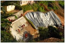 Obras de contenção de encostas em Olinda. Foto: Passarinho/Pref.Olinda