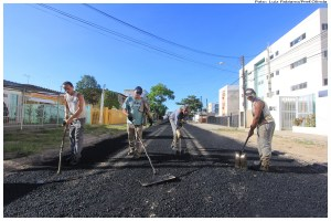 Rua Barão de Mauá foi uma das vias que teve sua obra retomada pela Prefeitura de Olinda. Foto: Luiz Fabiano/Pref.Olinda