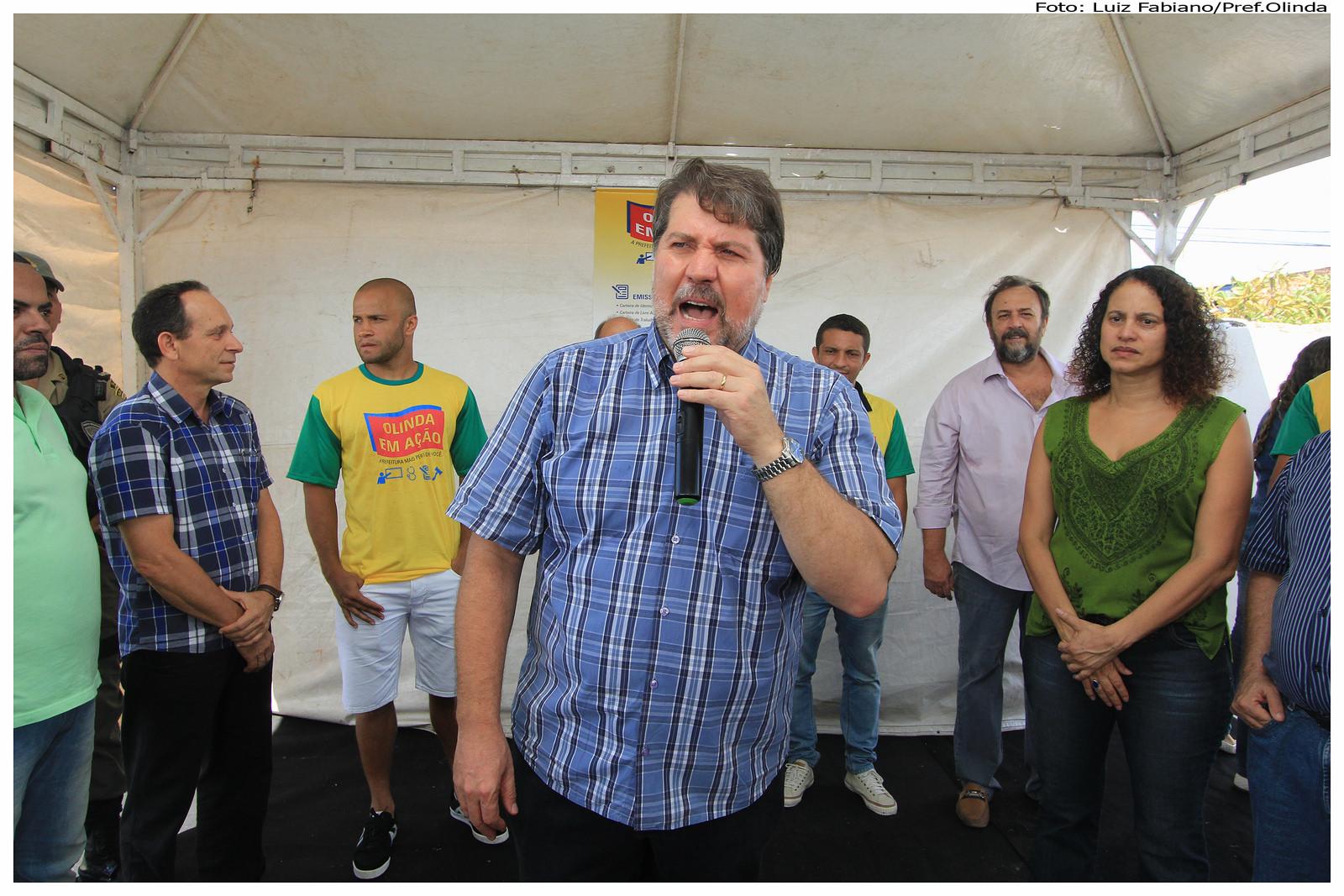 Ato pela paz nos estádios, marca o Olinda em Ação, no bairro de Jardim Brasil. Foto: Luiz Fabiano/Pref.Olinda