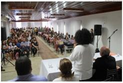 250 exemplares do livro infantil de Chico César foram doados às escolas municipais, para atividades em sala de aula. Foto: Weverton Mello/Pref.Olinda