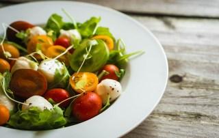 insalata mista estiva-olio EVO groma-ricette
