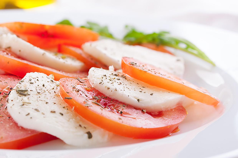 olio-groma-insalata-caprese