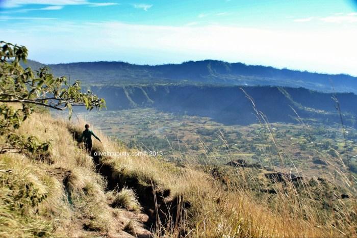 mendaki ke puncak Gunung Batur