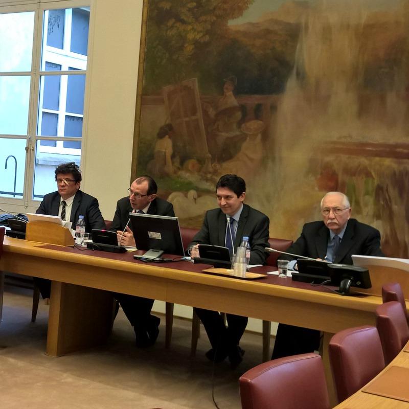 Réunion « Chancellerie 2.0 » au Sénat, le 25 mars 2015. A ma droite, Christophe Bouchard, directeur des Français de l'étranger. A ma gauche, mon collègue Louis Duvernois.