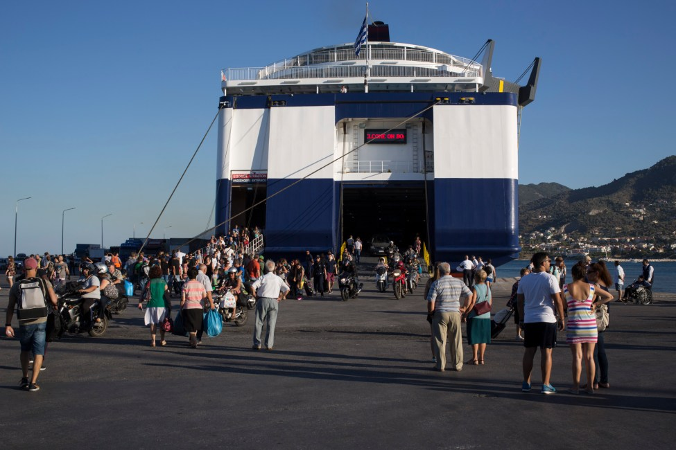 ferry-mitilene-9844