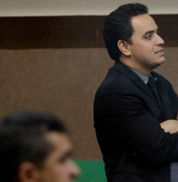Emanuel Pinheiro interfere