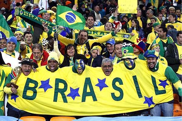 b78962dc66 A pouco tempo para o início da partida de estreia do Brasil