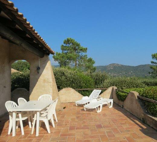 61-location-villa-corse-sud-terrasse