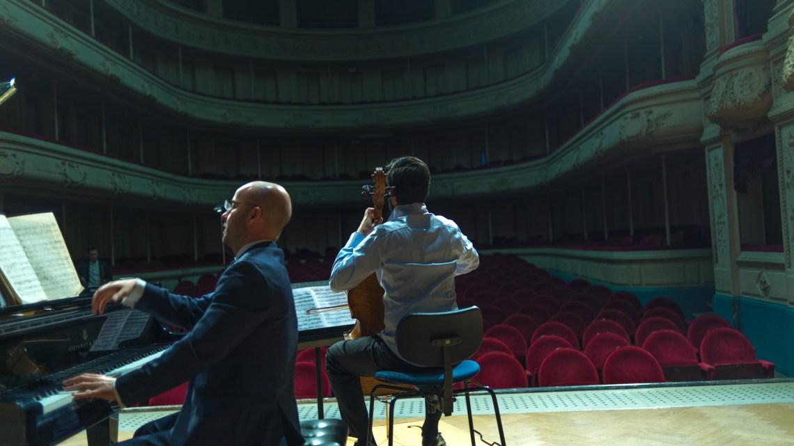 Në Bruksel po gatuhet muzika e legjenda më e bukur Shqipëtare