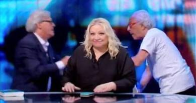 Rissa Sgarbi Mughini: meme, ironia e indignazione sui social VIDEO