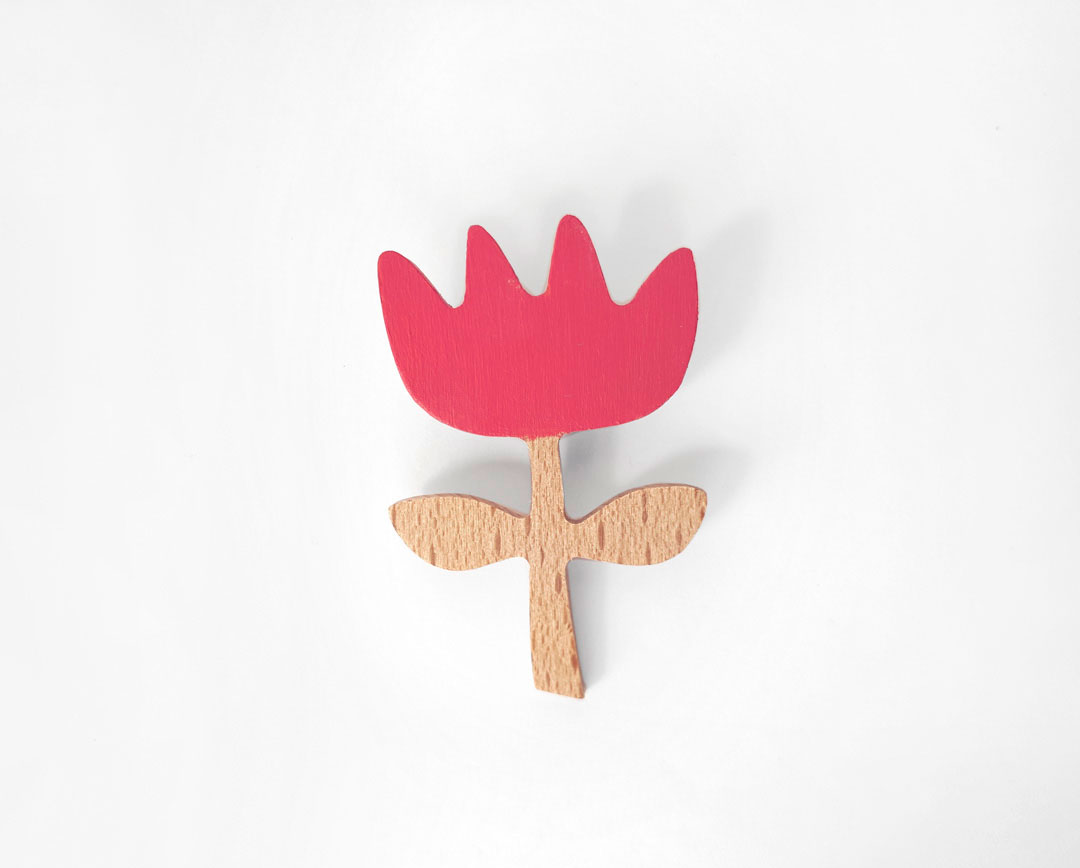 Rose flower brooch by Olula. Broche flor rosa.