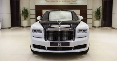 See Rolls Royce Ghost EWB (have a Private Jet experience) In A Vehicle (pics)