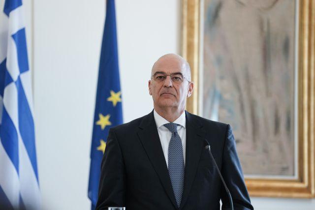Ο Νίκος Δένδιας διαψεύδει την πρόεδρο της Δημοκρατίας και της δείχνει την έξοδο