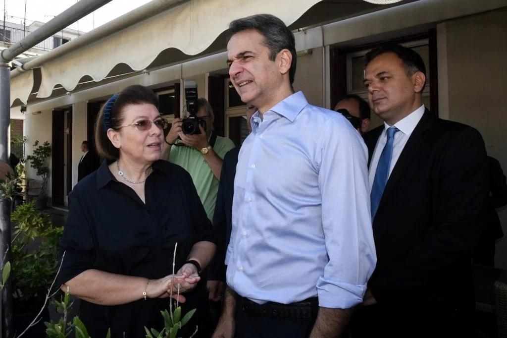 Στην προτελευταία θέση η Μενδώνη σε δημοσκόπηση της GPO, στο 12,4% η διαφορά ΝΔ-ΣΥΡΙΖΑ