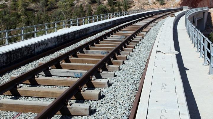 Υπογράφηκε η σύμβαση του έργου κατασκευής της Σιδηροδρομικής Στάσης στο Ν. Παντελεήμονα Πιερίας