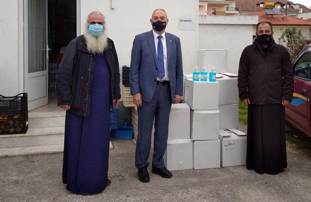 Υγειονομικό υλικό στο Κοινωνικό Παντοπωλείο της Ιεράς Μητροπόλεως Κίτρους, Κατερίνης και Πλαταμώνος παρέδωσε  η Συνεταιριστική Τράπεζα Κεντρικής Μακεδονίας