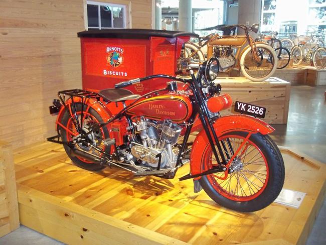 barber-motorcycle-mus-920-21