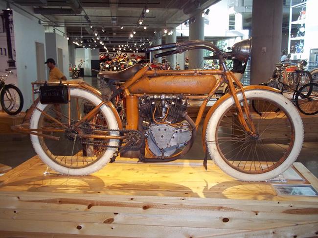 barber-motorcycle-mus-920-22