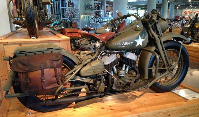 barber-motorcycle-mus-920-35