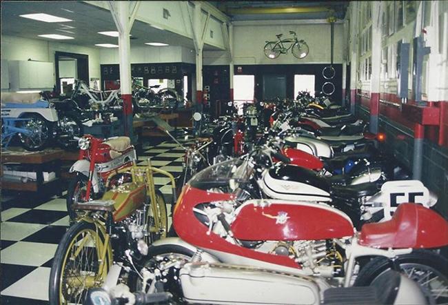 barber-motorcycle-mus-920-37