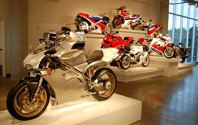 barber-motorcycle-mus-920-57