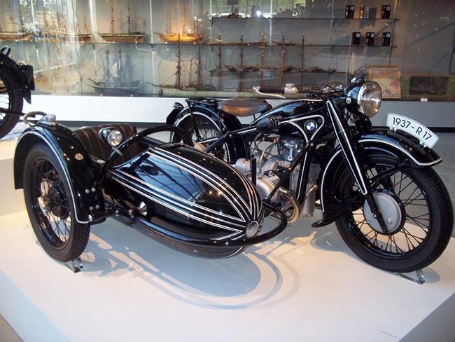 barber-motorcycle-mus-920-6