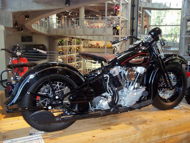 barber-motorcycle-mus-920-7