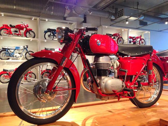 barber-motorcycle-mus-920-73