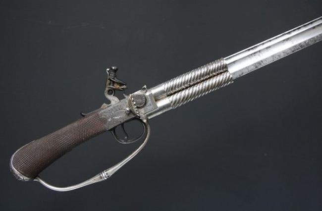 armamento antigo - O Macho Alpha-18