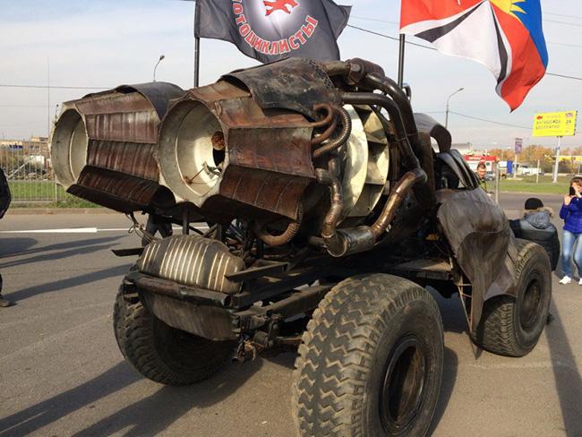 Mad Max russo - O Macho Alpha-4