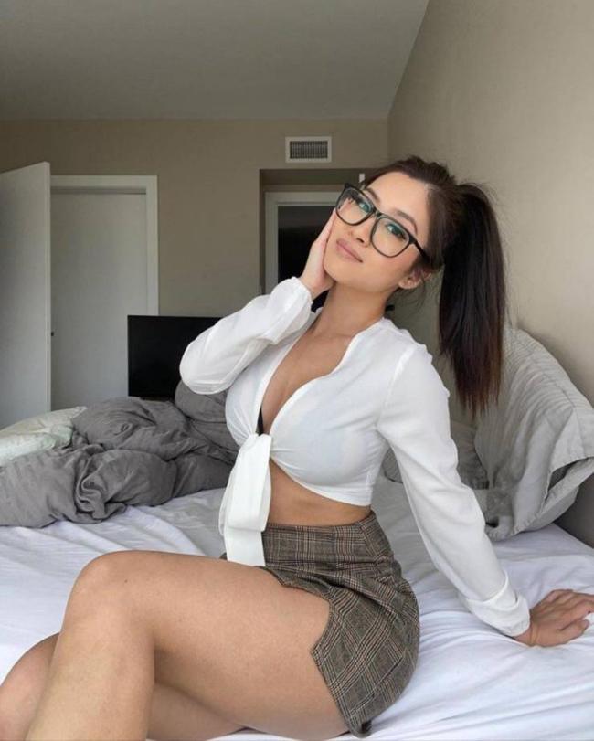 gostosas de óculos