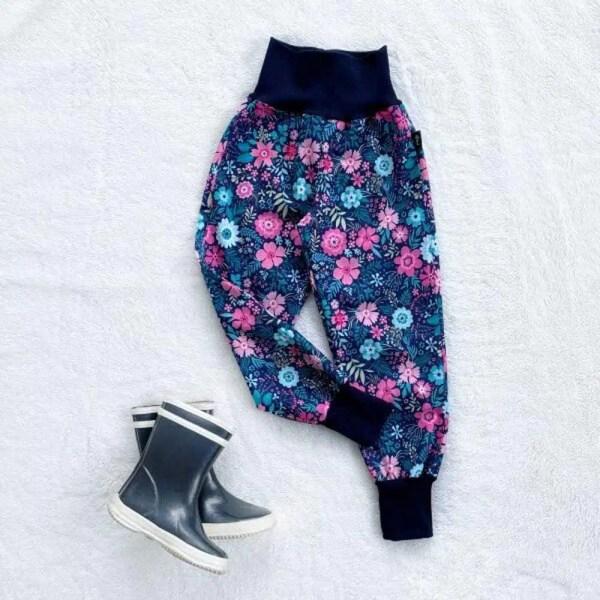 Kiwi softshellové nohavice zateplené kvetinky - Oma & Luj