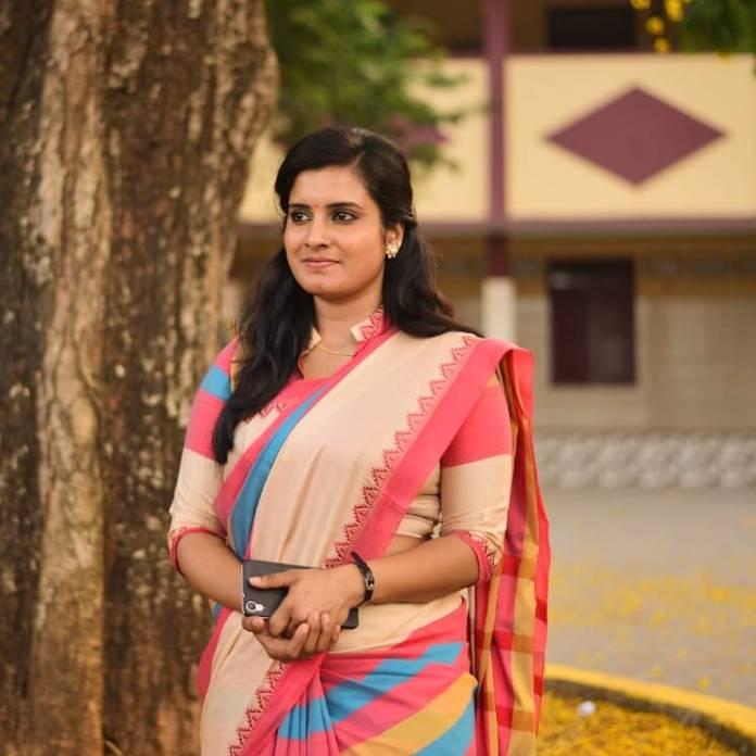 Roshna Ann Roy 25