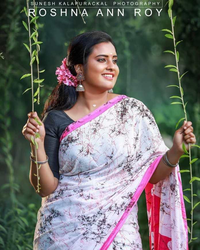Roshna Ann Roy 28