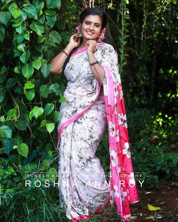 Roshna Ann Roy 29