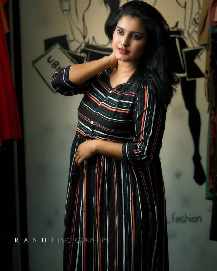 Roshna Ann Roy 6