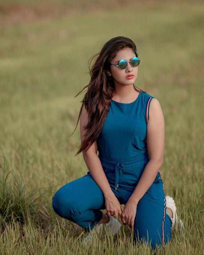 Gayathri R Suresh 18