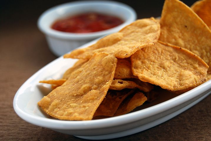 No Oven No Fry Oats Chips & Tomato Salsa Dip