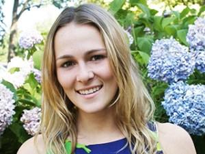 Juliette brindak, star of bbc's million dollar intern