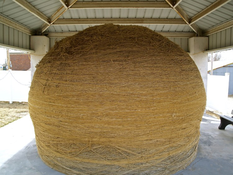 cawker city ball of twine 1