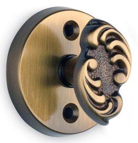 Item No.068/05 (Ornate Round Turnpiece - Solid Brass)