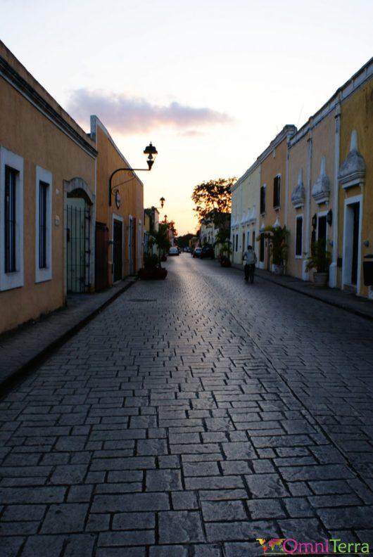 Mexique - Valladolid - Rue et coucher de soleil