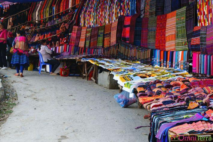 Vietnam - Bac Ha - Marché - Artisanat